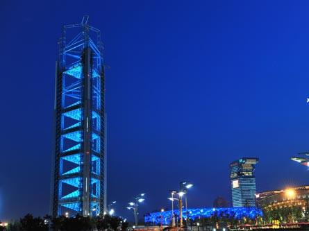 玲珑塔位于奥林匹克公园中心区